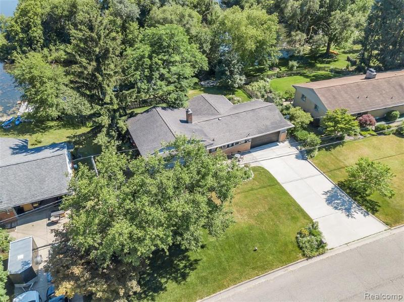 Listing Photo for 3305 Moraine Dr