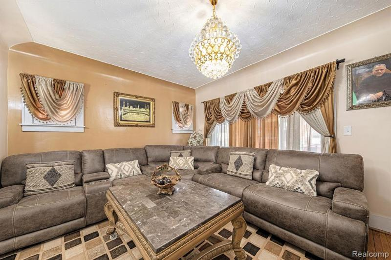 Listing Photo for 6447 Barrie