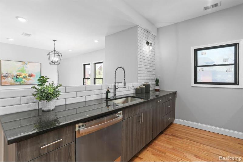 Listing Photo for 4116 Trumbull St 2