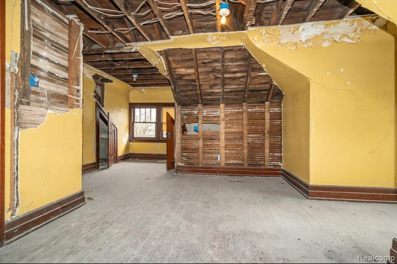 Listing Photo for 3457 Iroquois St