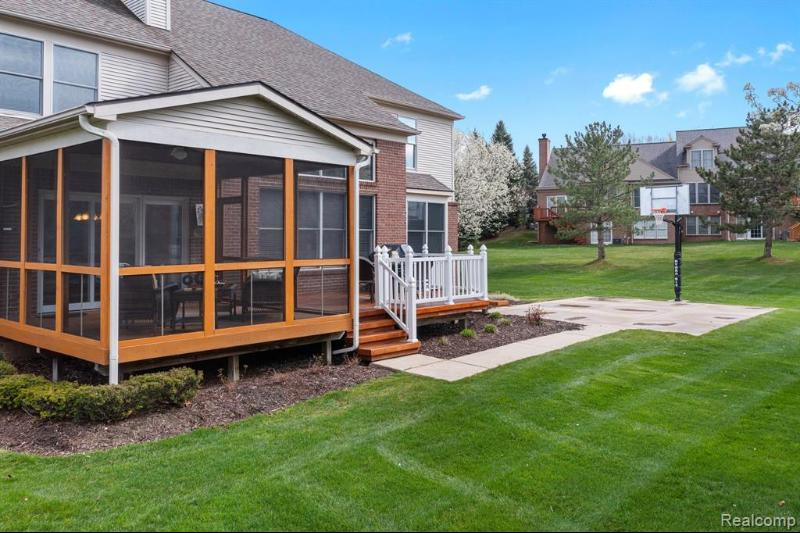 Listing Photo for 509 Wyngate Dr
