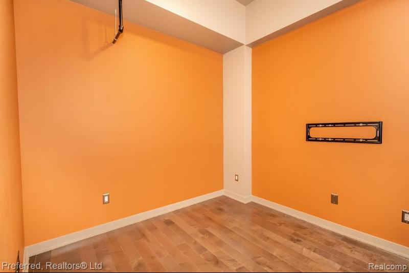 Listing Photo for 350 N Main St 916