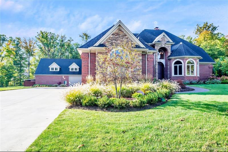 Listing Photo for 14930 Timberwoods Crt