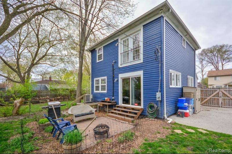 Listing Photo for 416 E George Ave
