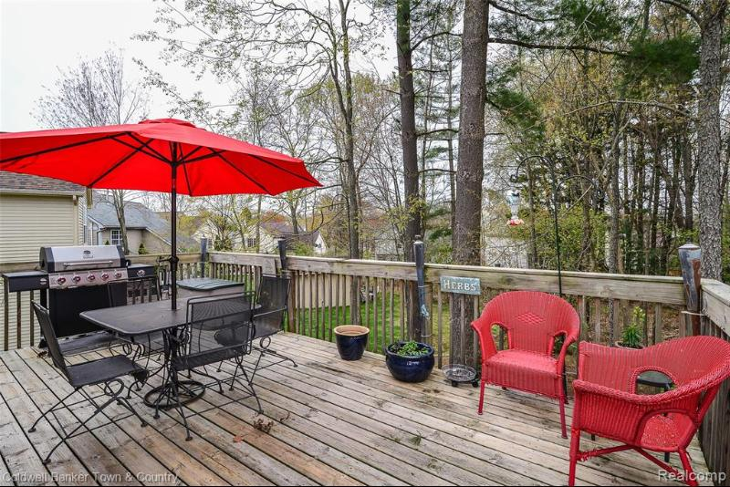 Listing Photo for 111 Lakeshore Vista Dr