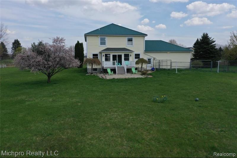 Listing Photo for 9910 Fostoria Rd