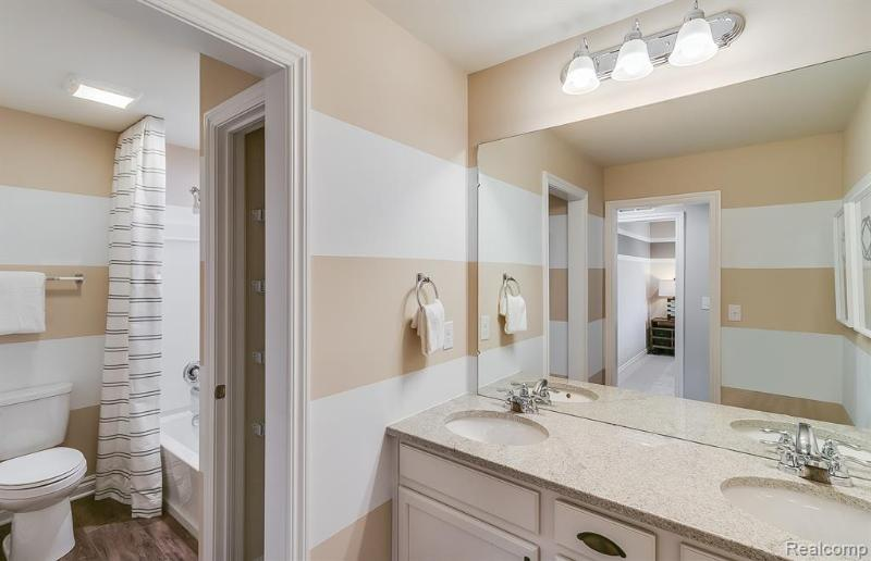 Listing Photo for 4770 Broomfield Way 44