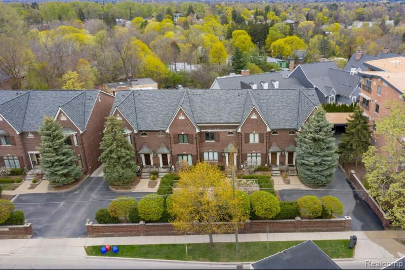Listing Photo for 440 Southfield Rd