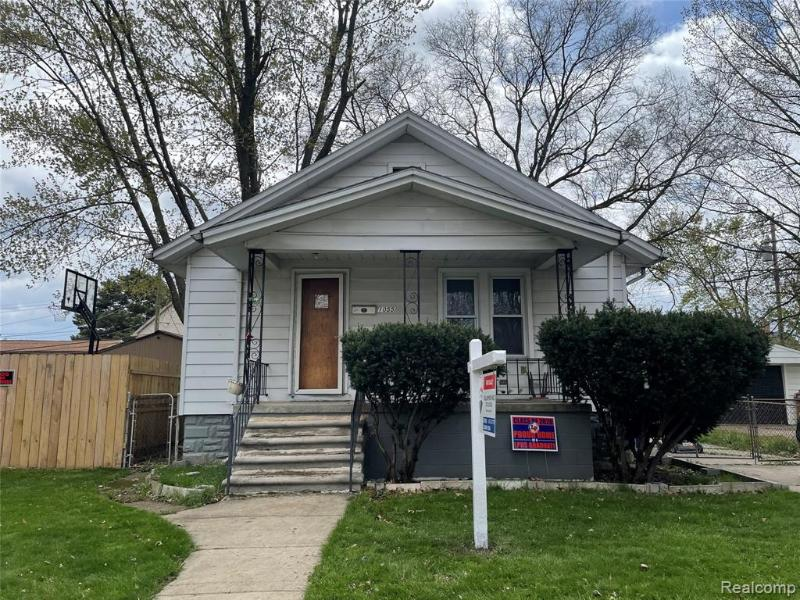 Listing Photo for 1055 Mayflower Ave