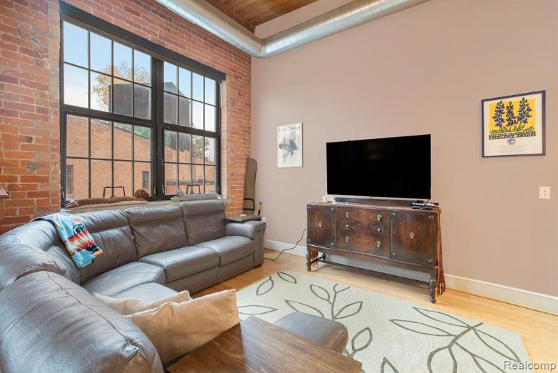 Listing Photo for 5766 Trumbull Unit#208 St
