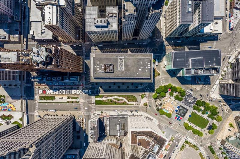 Listing Photo for 525 W Lafayette Blvd 14a