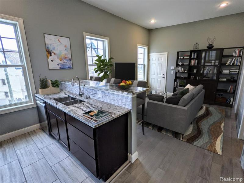Listing Photo for 1786 W Willis St 6