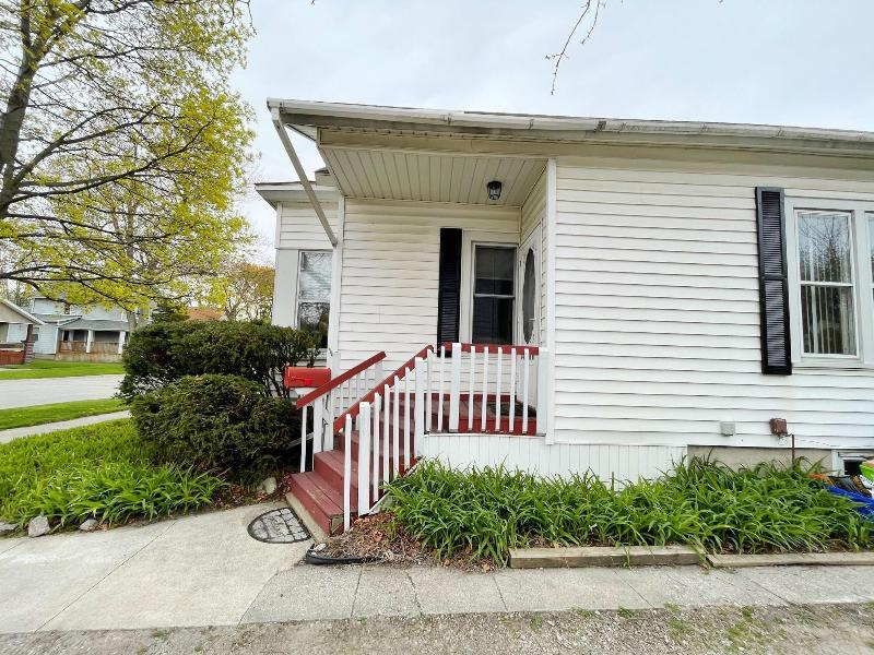 Listing Photo for 1131 Church St