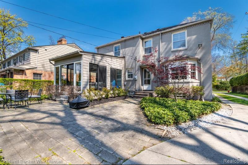 Listing Photo for 320 Touraine Crt