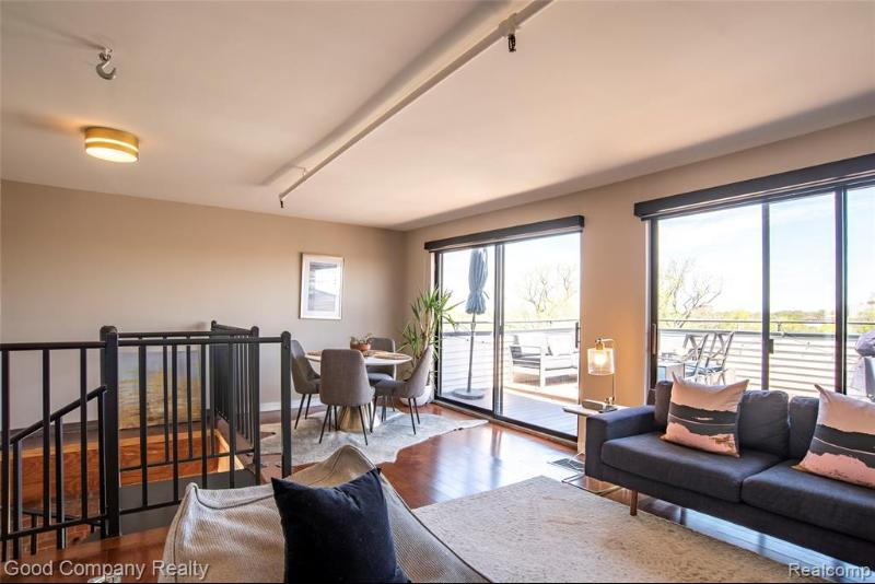 Listing Photo for 6533 E Jefferson Ave Apt 426  426