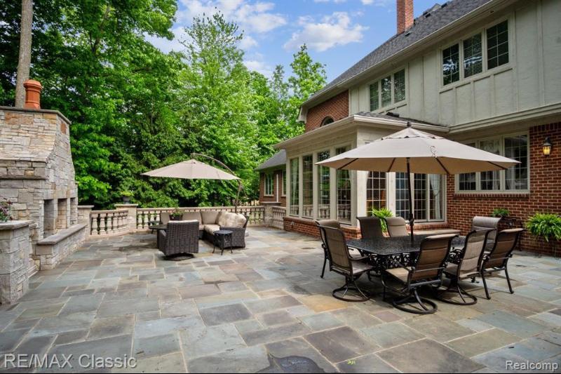 47910 Bellagio Crt Northville Mi, Patio Plus Outdoor Furniture Northville Mi 48167