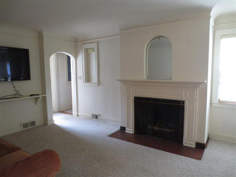 Listing Photo for 416 Marquette St.