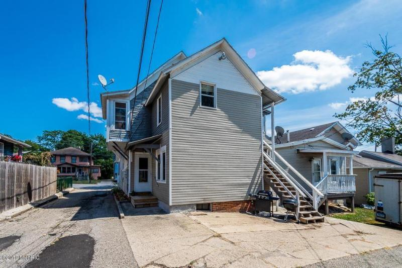 Listing Photo for 407 N Superior St