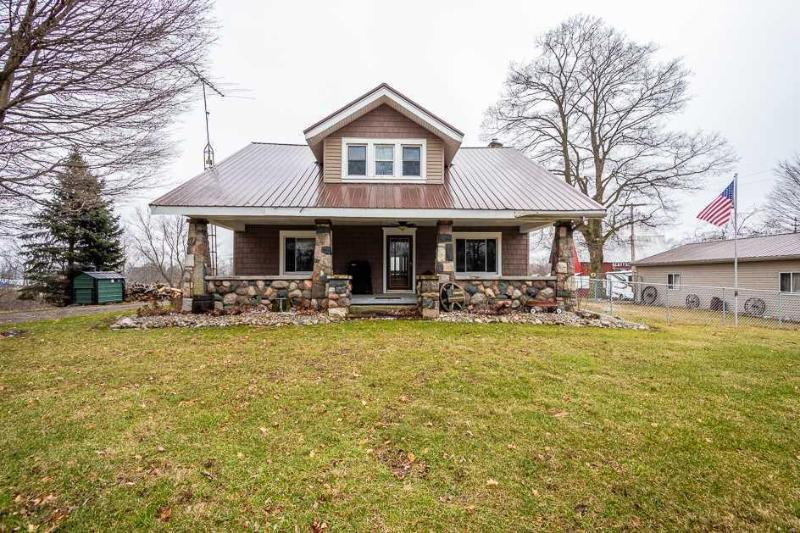 Listing Photo for 17421 Manitou Rd