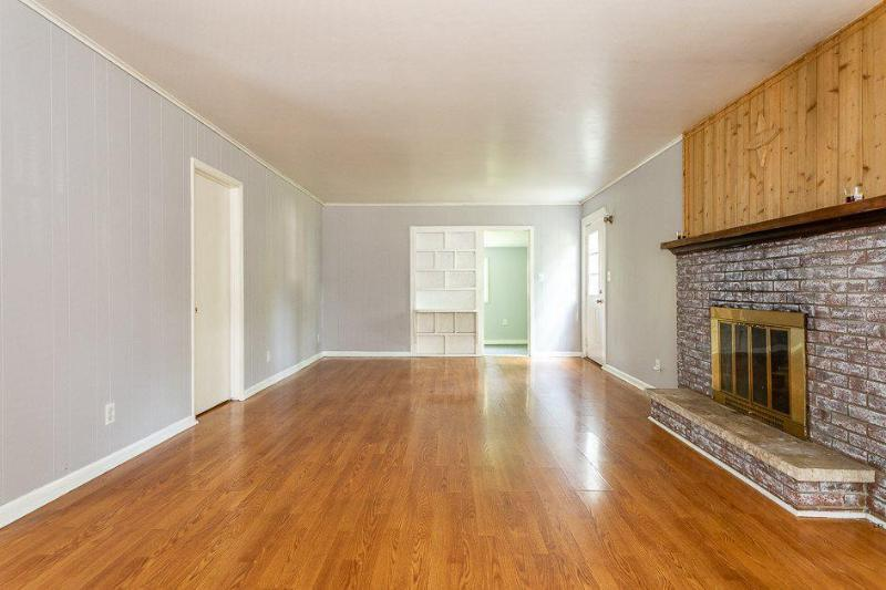 Listing Photo for 1110 Austin Ave