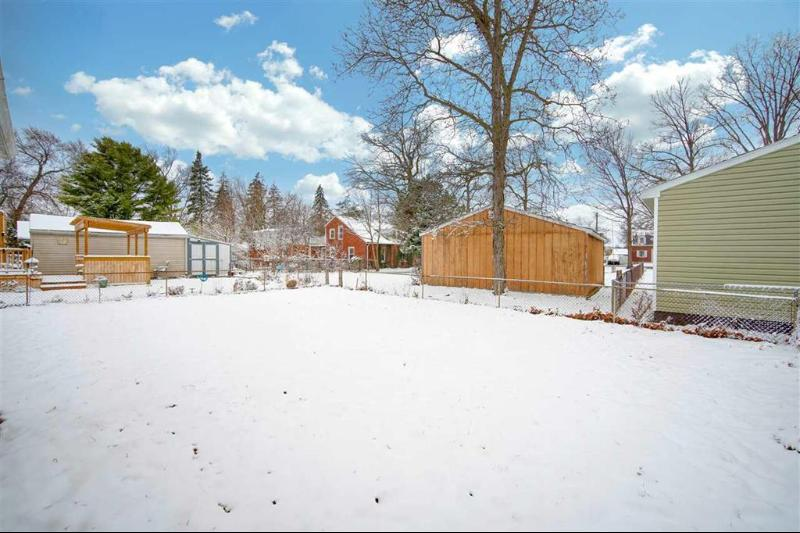 Listing Photo for 15459 Eastwood Dr