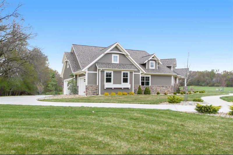 Listing Photo for 4996 Nantucket Dr