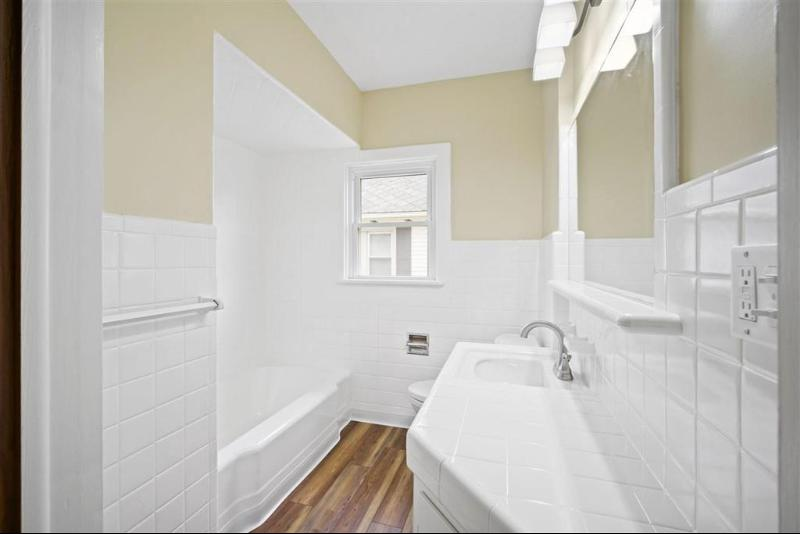 Listing Photo for 203 E Porter St