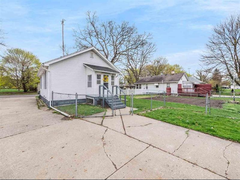 Listing Photo for 120 Austin Ave