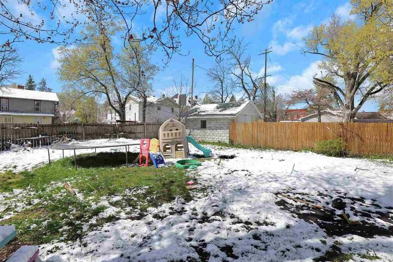 Listing Photo for 144 Locust St