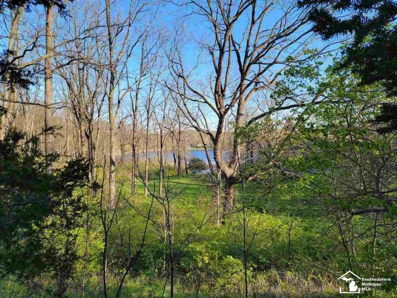 Listing Photo for 2122 E Coon Lake