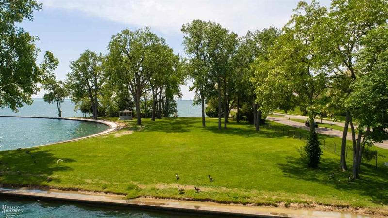 Listing Photo for 227 Lake Shore Road