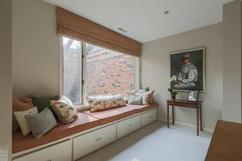 Listing Photo for 824 Lakeshore