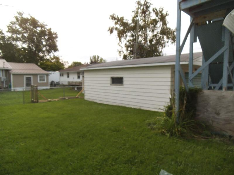Listing Photo for 1009 S Hampton