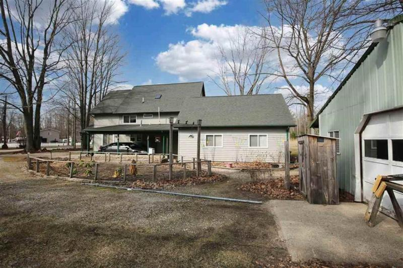 Listing Photo for 909 Pequot Lane