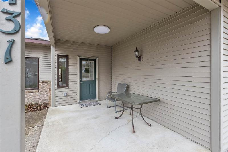 Listing Photo for 5431 Oakridge Dr