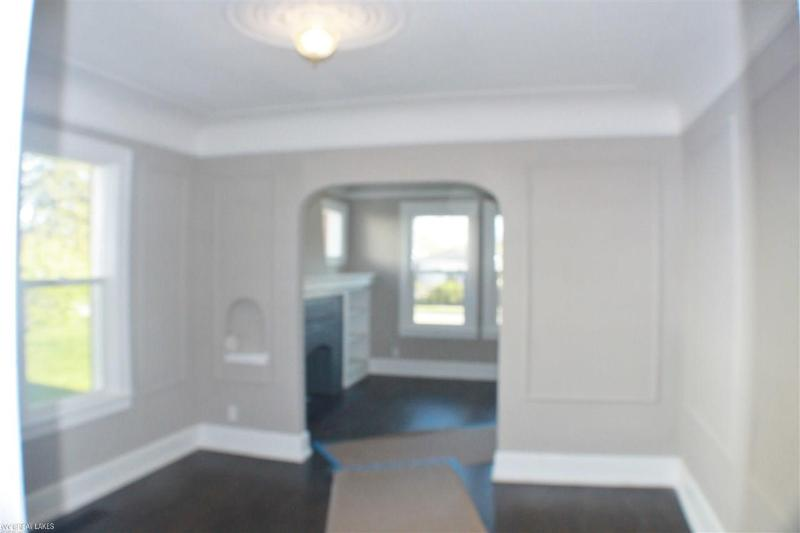 Listing Photo for 18229 Glendale St