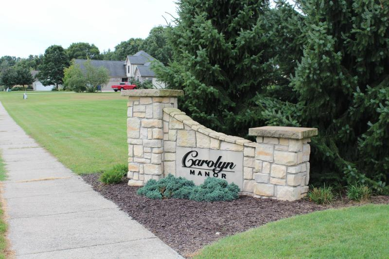Listing Photo for 1626 Carolyn Drive