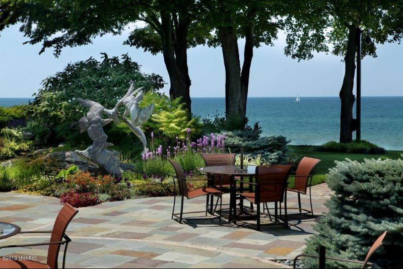 Listing Photo for 338 N Lakeshore Drive