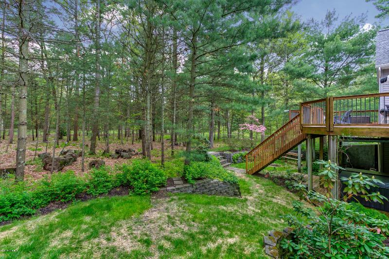 Listing Photo for 7671 Wiczer Drive