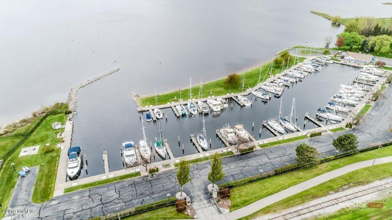 Listing Photo for 1259 Lakeshore Drive