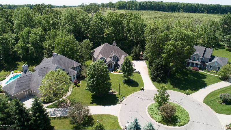Listing Photo for 8467 Tawney Point