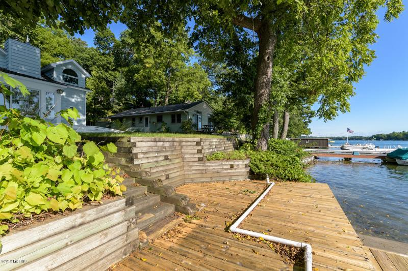 Listing Photo for 307 S Gull Lake Drive