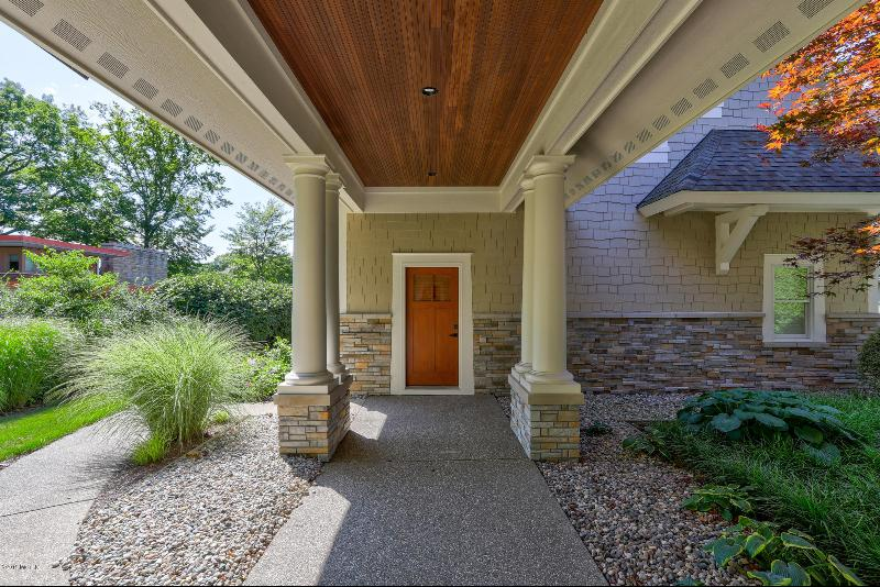 Listing Photo for 16180 Highland Drive