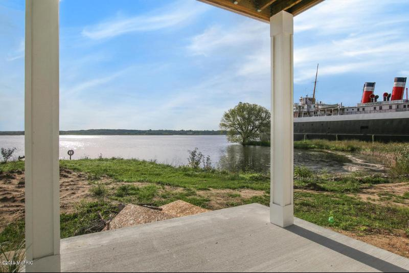 Listing Photo for 135 Joslin Cove Drive