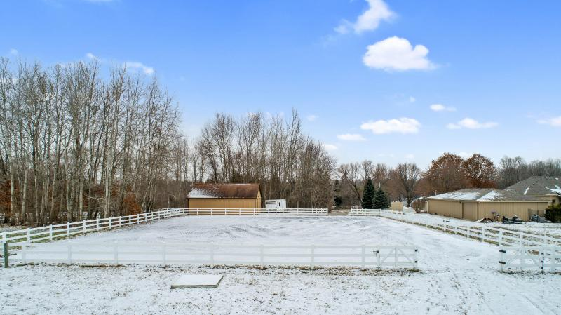 Listing Photo for 21315 Woodward Ave