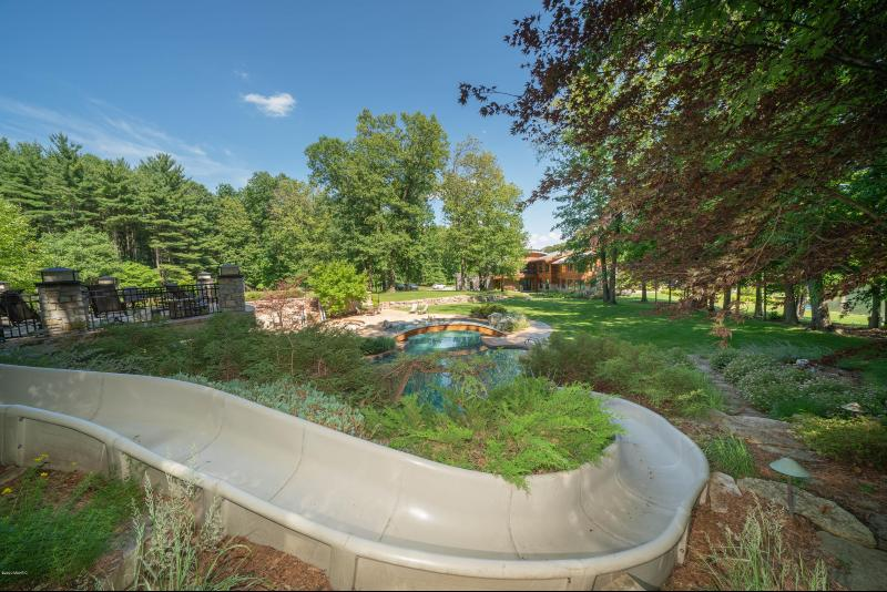 Listing Photo for 10463 W H Avenue