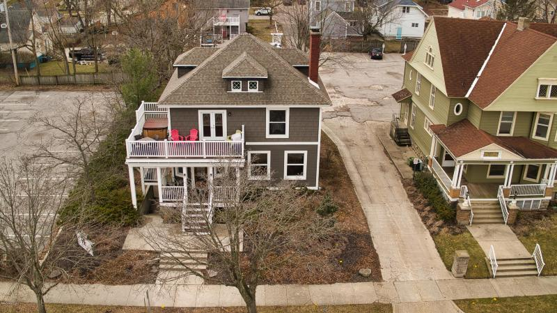 Listing Photo for 222 Franklin Avenue