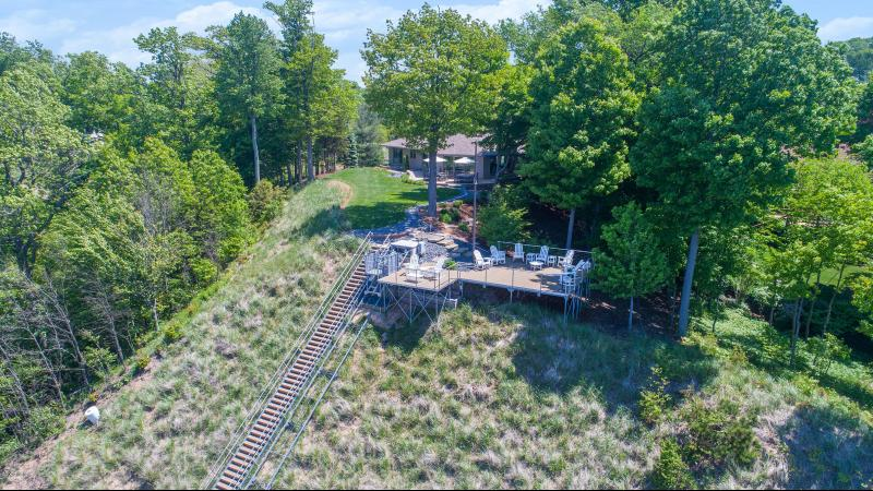 Listing Photo for 260 Sunset Bluff Court