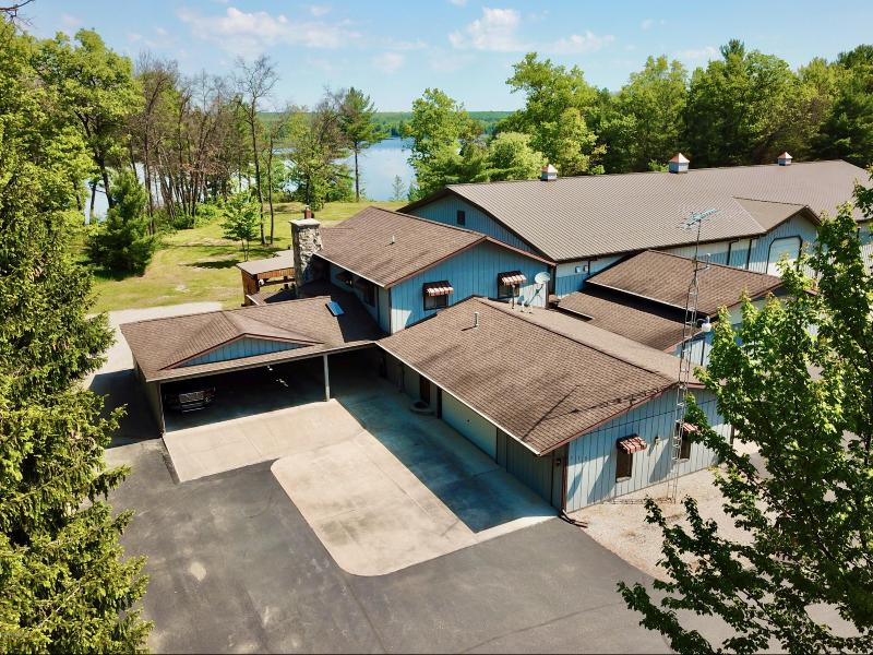 Listing Photo for 572 N Circle Drive