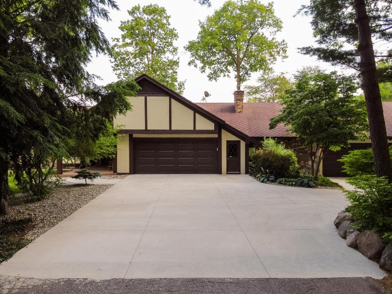 Listing Photo for 14170 Lake Michigan Drive